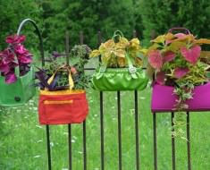 Original-Nancy-Ondra_unique-container-garden-purses_s4x3_lg-600x450