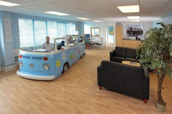 volkswagen van converted office 600x400 Volkswagen van –> office in architecture interiors with Volkswagen Van Office