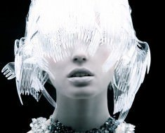Plastic-Fashion-by-Tomaas-1