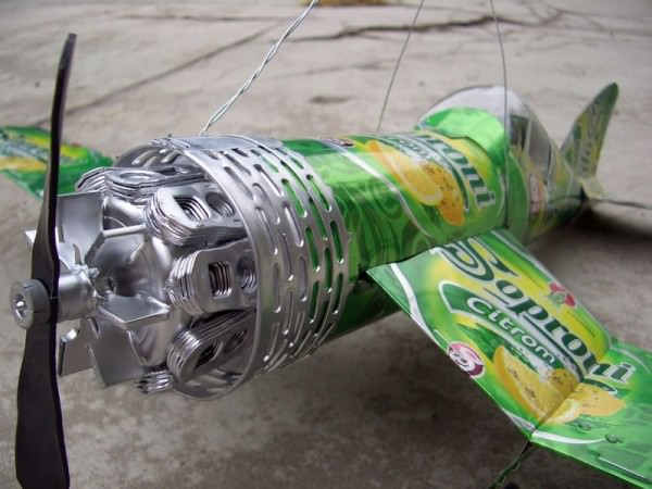 983a25df663147339a524b13831a3dac d5ld916 600x450 Beer can plane by tamas kanya in general  with Recycled plane beer cans