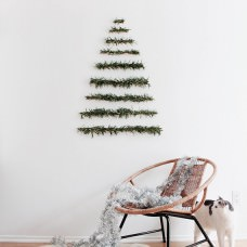 DIY: Minimalist Christmas Tree
