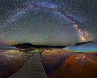 colorful-milky-way-photographs-yellowstone-park-11