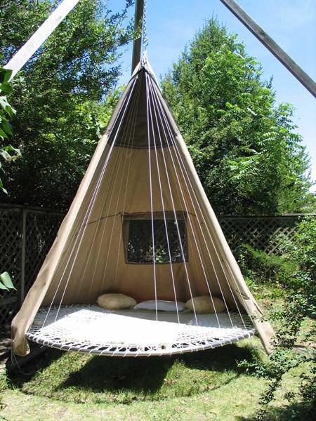 Repurposed Trampoline in Teepee