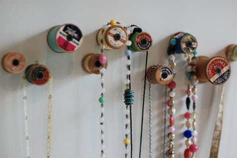 Diy: Wooden Thread Spools Into Hooks DIY + Crafts