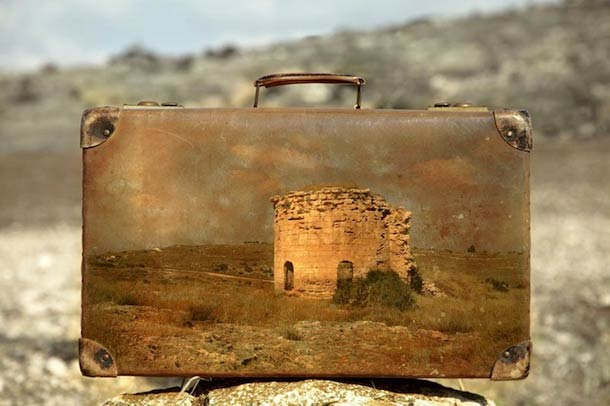 Memory Suitcase – Photography and Old Suitcase Photography