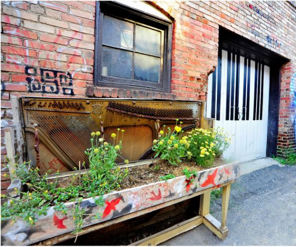 Repurposed Home Decorating Ideas: 26 Creative Ideas To Repurpose Old Pianos