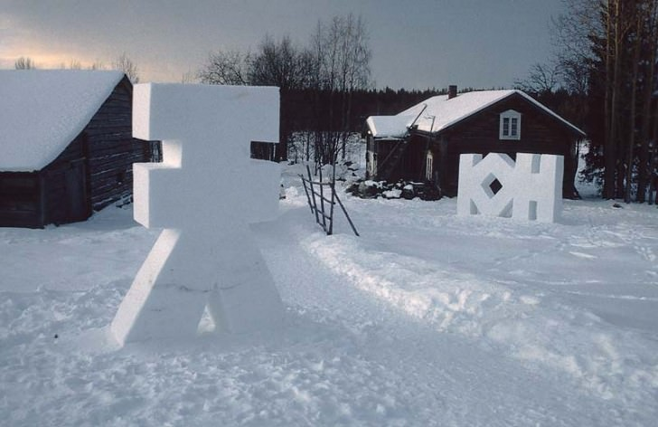 Snow Installations Animals + Nature Art + Graphics