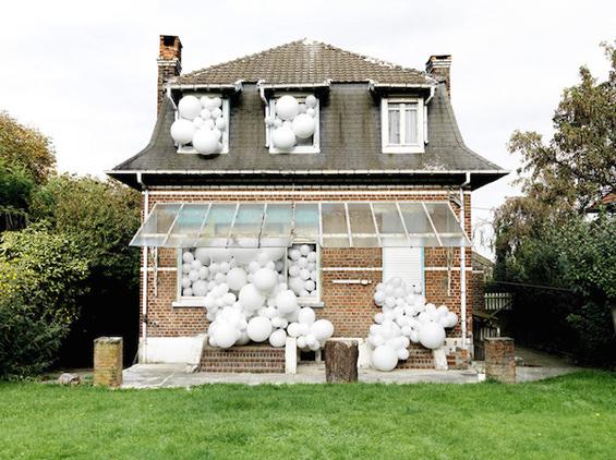 Joyful Photographs Of Balloons By Charles Petillon Photography