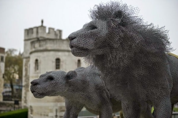 Animal Sculptures From Galvanized Wire By Kendra Haste Animals + Nature Art + Graphics