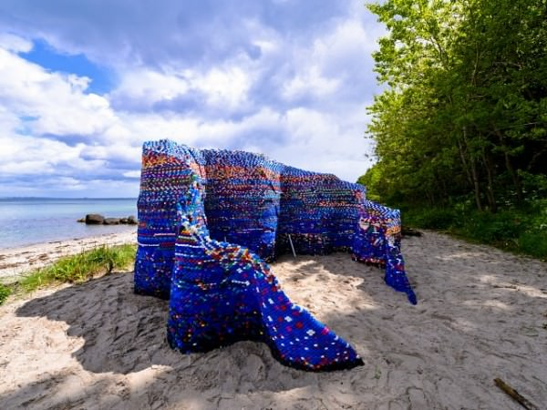 Waves Structure out of 70,000 Discarded Plastic Bottle Caps By arunkumar H.g. Art + Graphics Sustainability