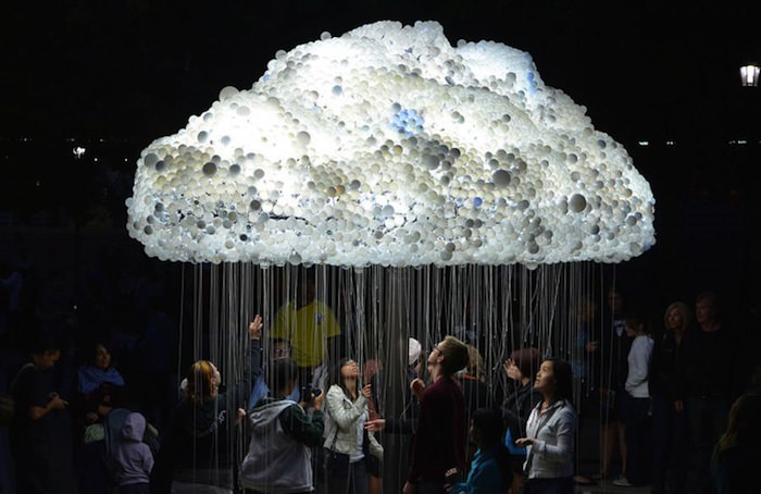 Cloud, An Interactive Installation Made Of 6,000 Lightbulbs Art + Graphics