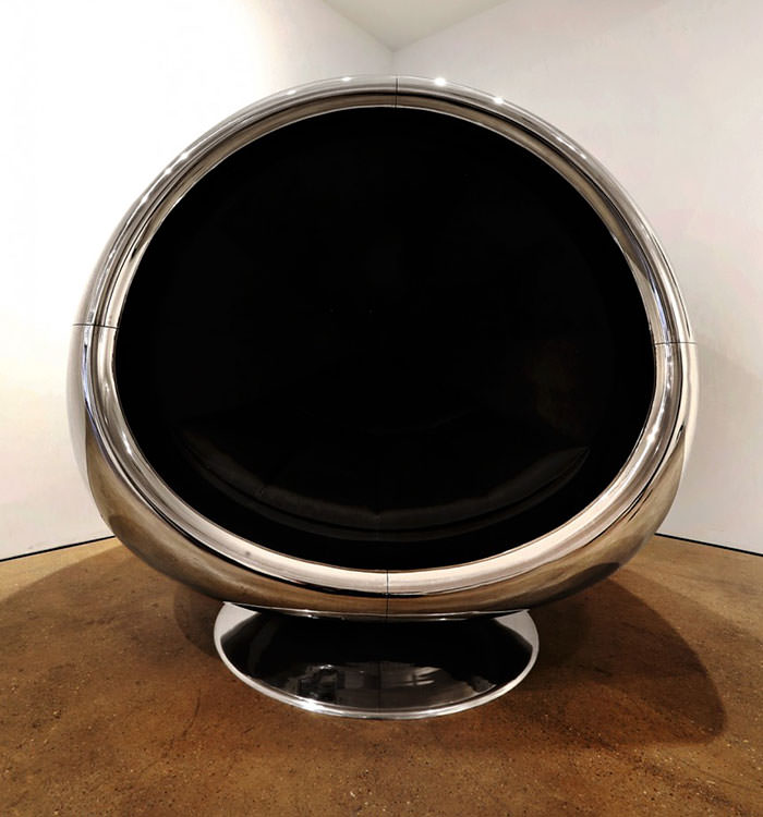 One Of A Kind Chair Made From A Recycled Boeing 737 Engine