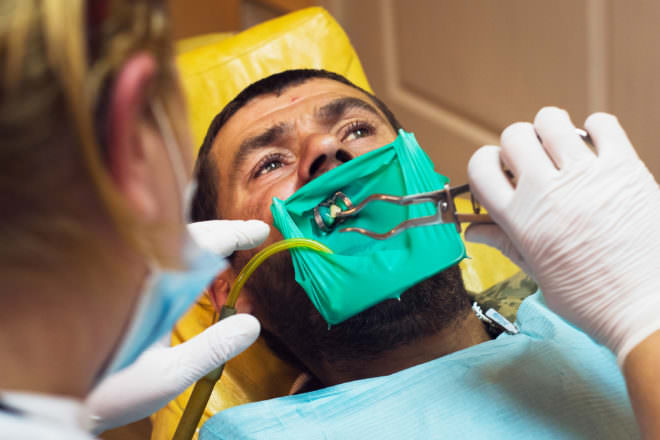 The Volunteer Dentists On the Front Lines of Ukraine's War Photography