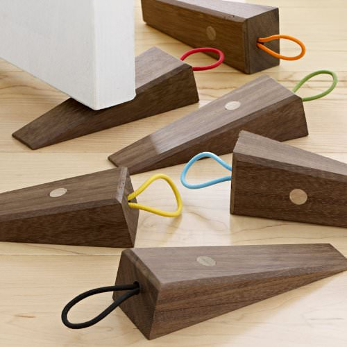 Desgin ideas walnut door stop gift ideas creative spotting for Door stop idea