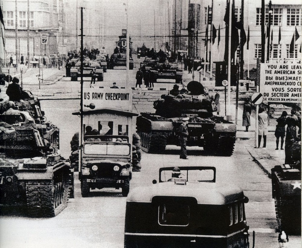 Checkpoint Charlie   Amusing Planet Photography