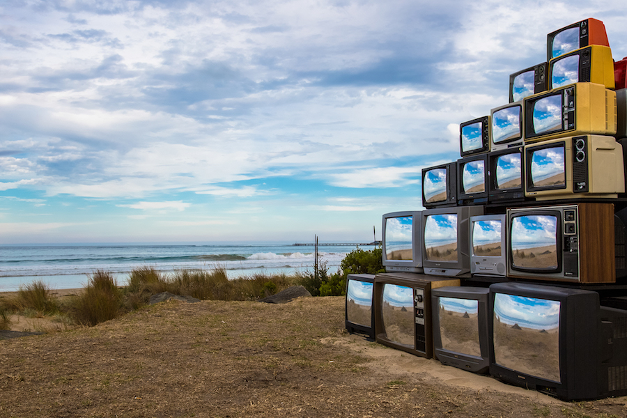 Nature Reflection in Televisions – Fubiz Media Design
