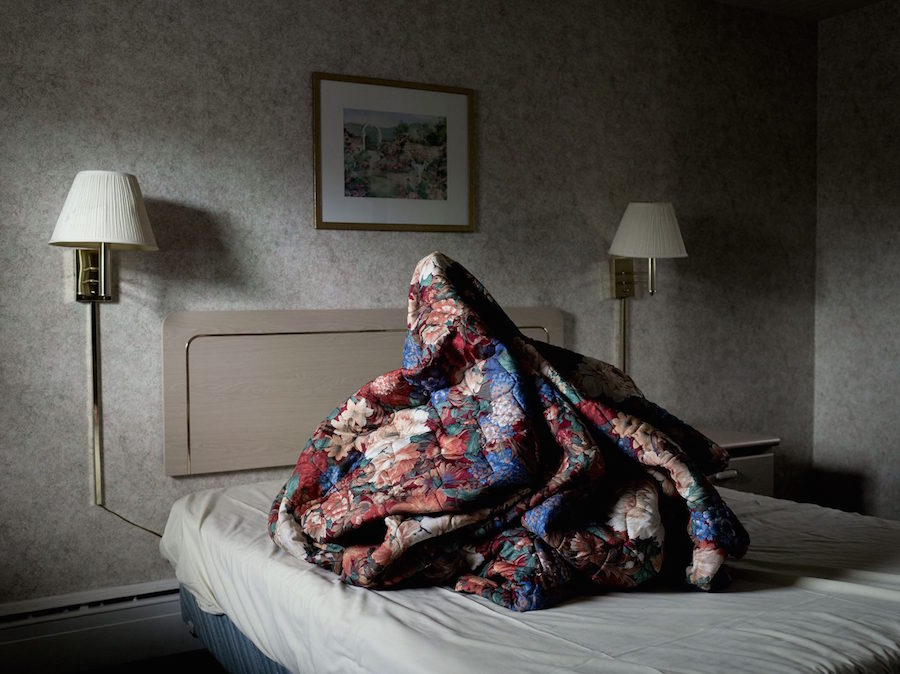 "Mysterious Photographs of ""bedmounds"" – Fubiz Media Design"