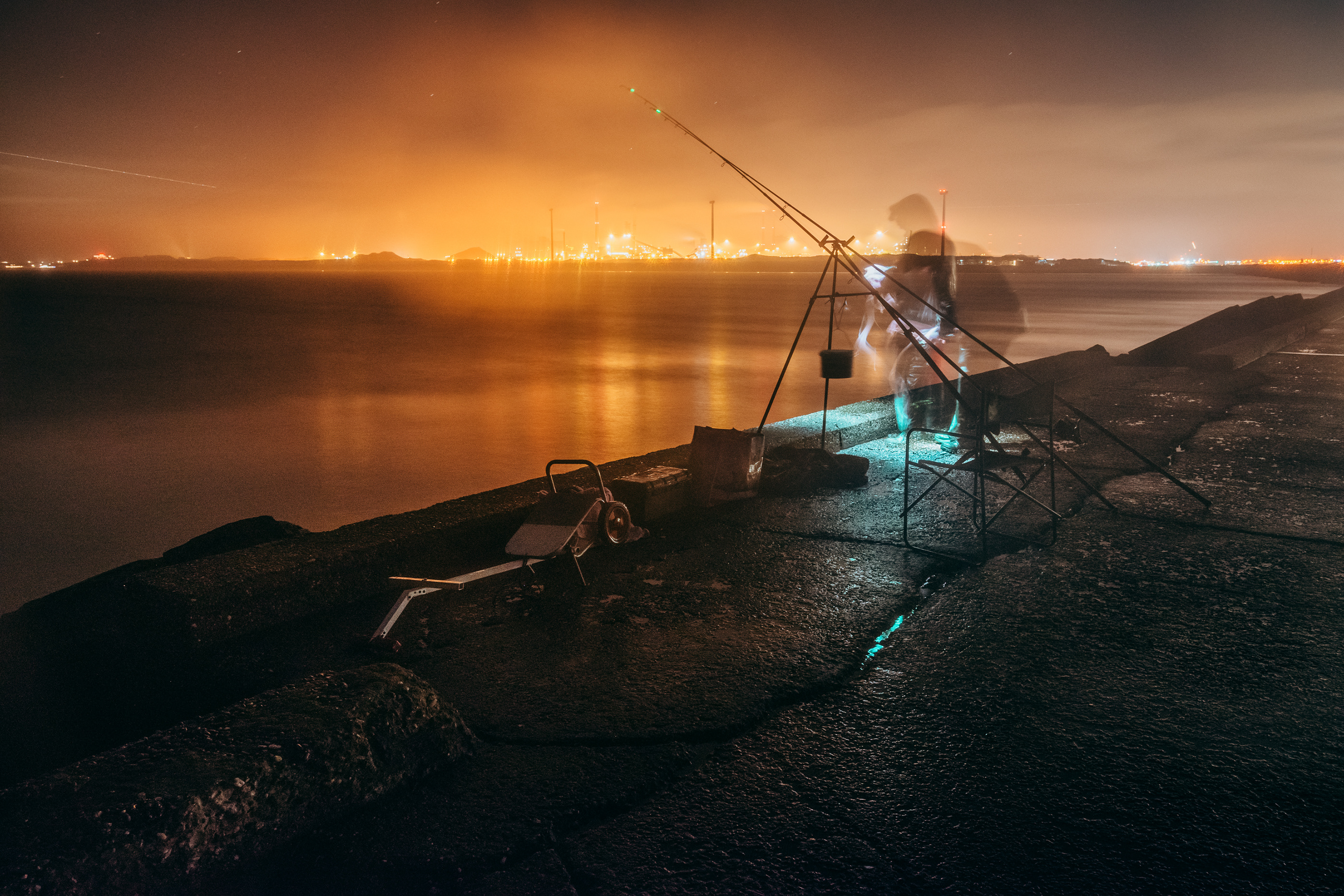 Long Exposure Images of Night Fishing in the Netherlands – Fubiz Media Design