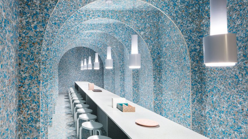 Pop-up Restaurant Built from Recycled Food Packaging – Fubiz Media Design