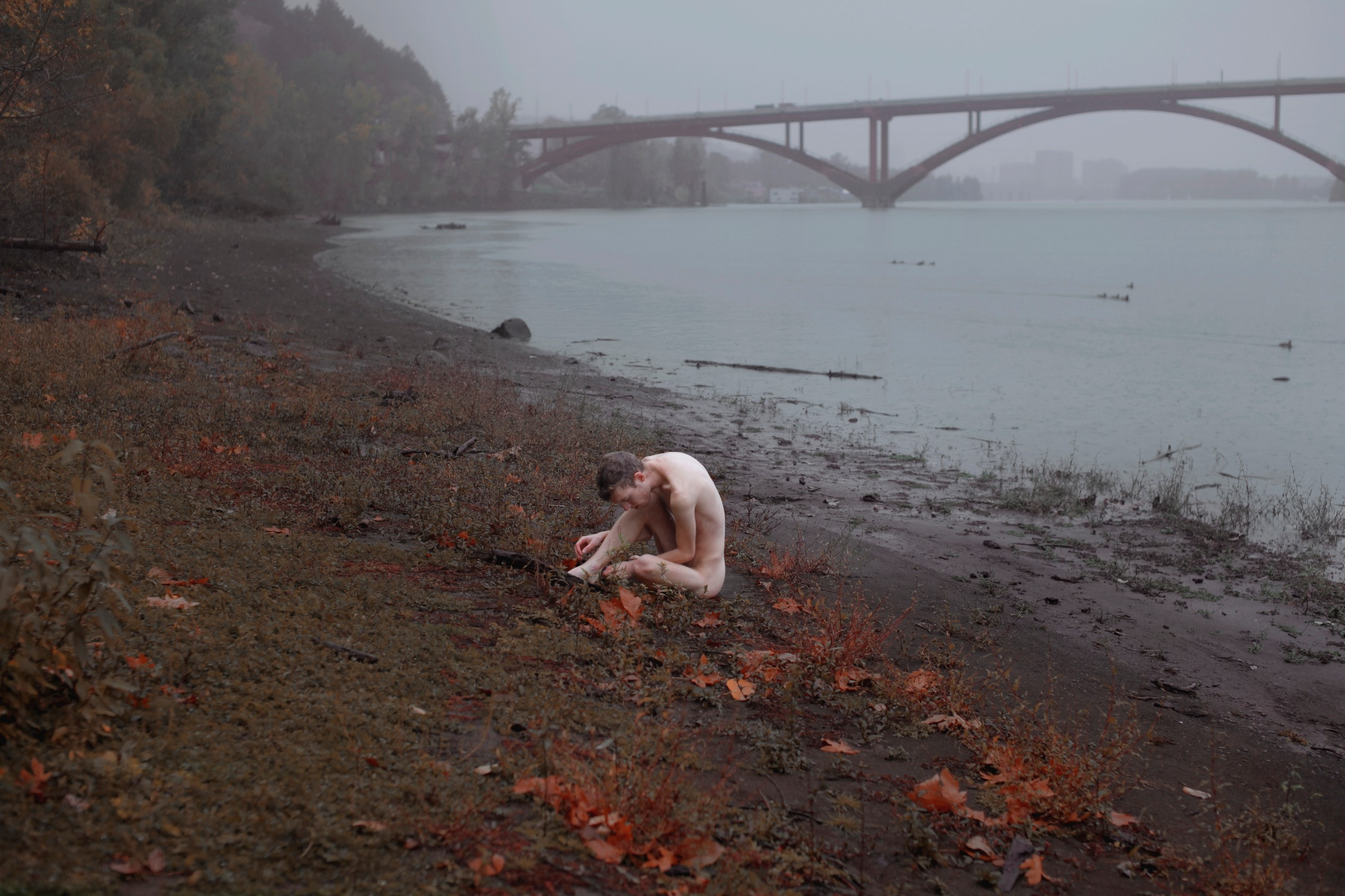 Desolation, Truth and Hazy Atmosphere – Fubiz Media Design