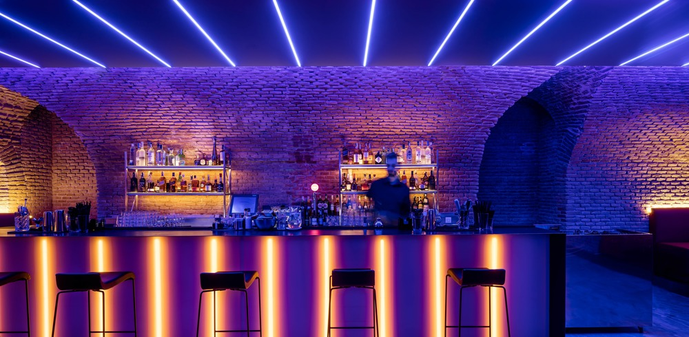 Mesmerizing Underground Bar in Madrid – Fubiz Media Design