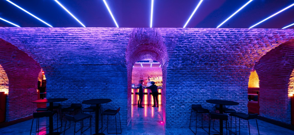 Mesmerizing Underground Bar in Madrid – Fubiz Media Design