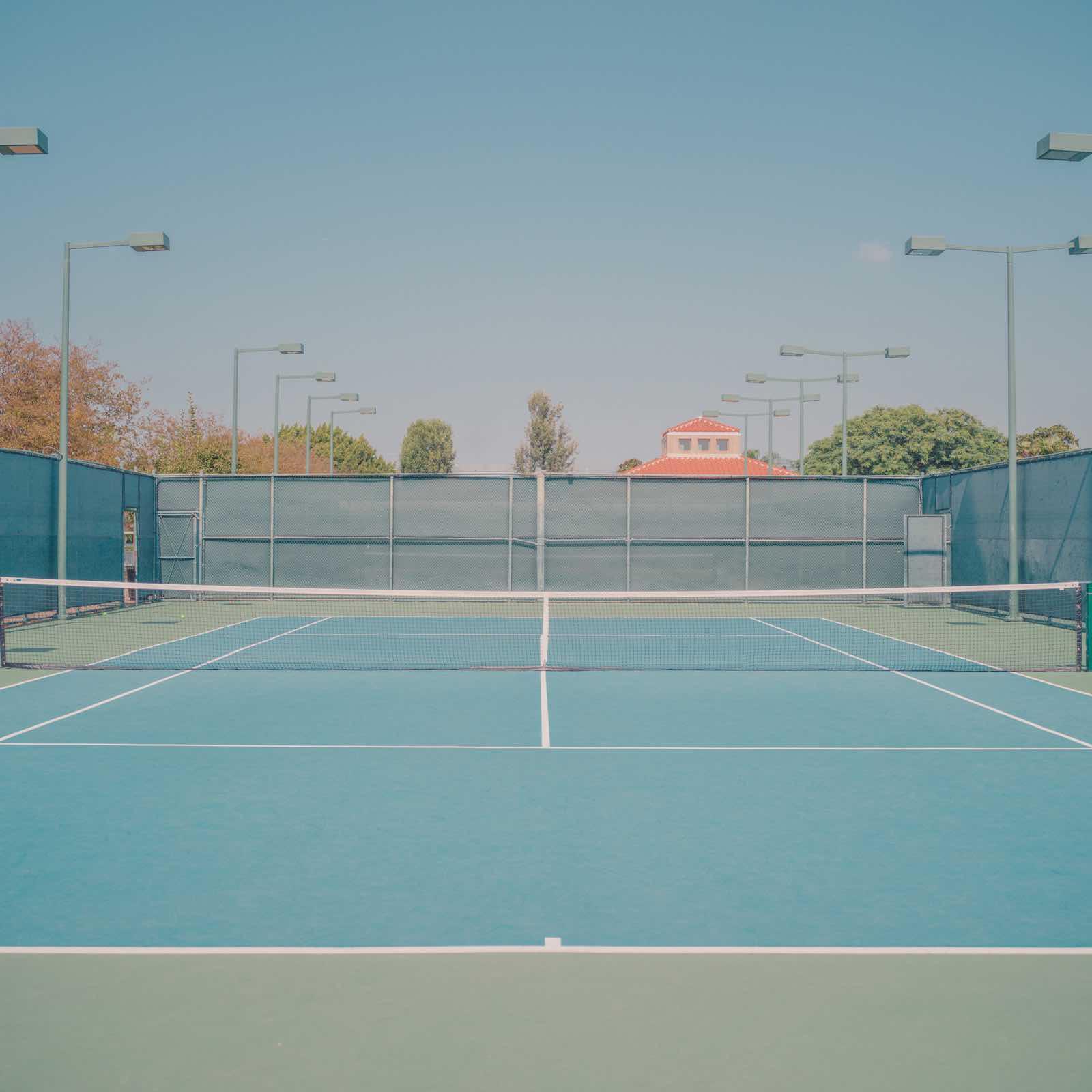 Vintage Californian Tennis Court – Fubiz Media Design