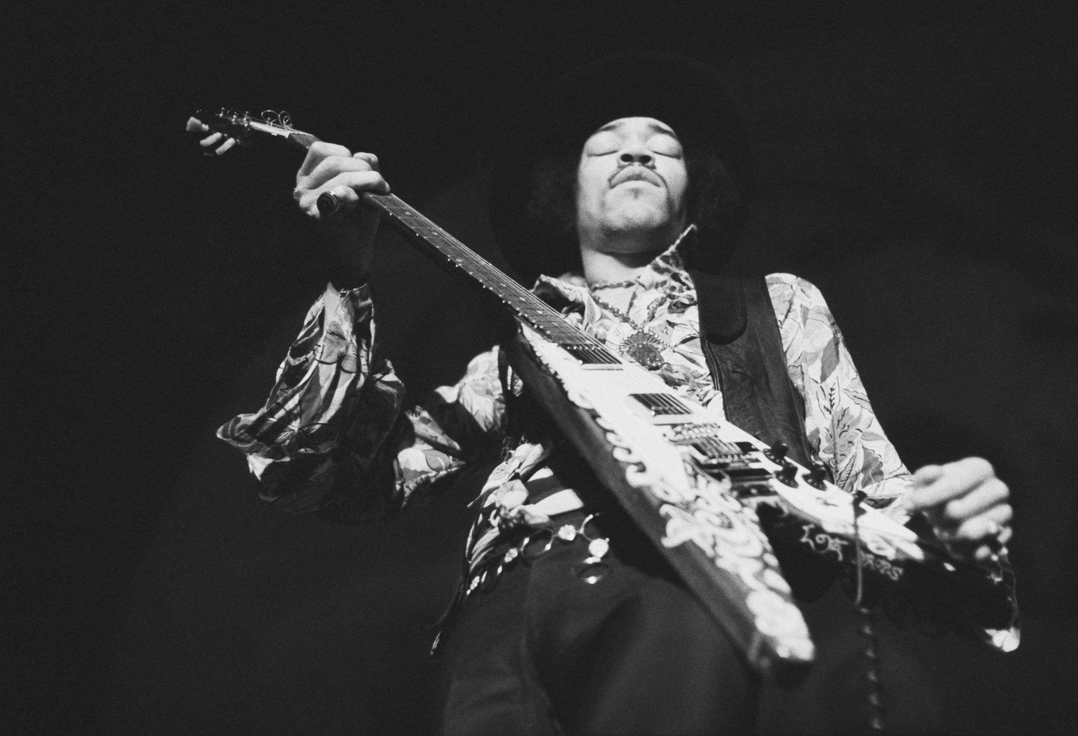 An Expo Celebrating Jimi Hendrix in London – Fubiz Media Design